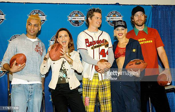 Tony Kanal Shania Twain Adrian Young Gwen Stefani and Tom Dumont