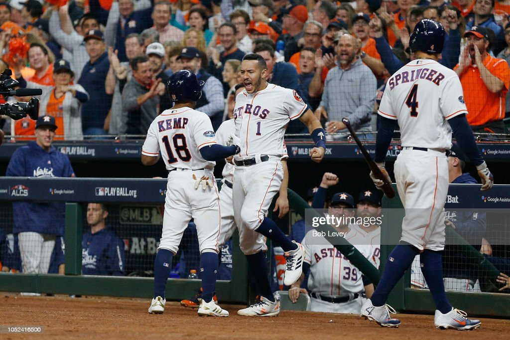 League Championship Series - Boston Red Sox v Houston Astros - Game Four : News Photo