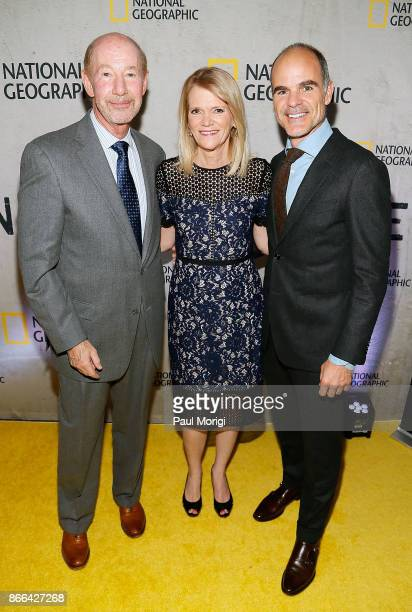 Tony Kornheiser Martha Raddatz and Michael Kelly attend The Long Road Home Washington DC Premiere on October 25 2017 at National Geographic in...