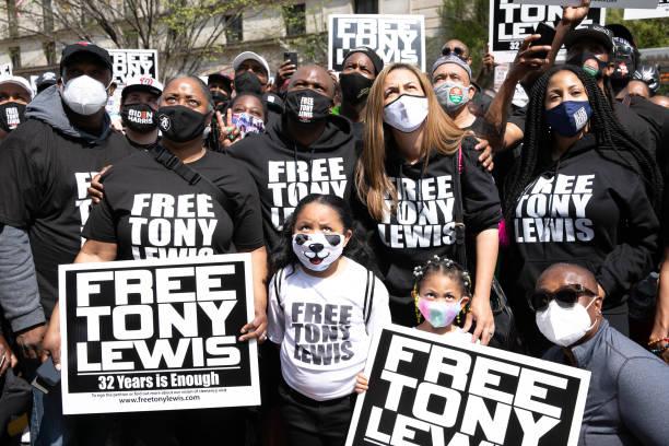 DC: Free Tony Lewis Rally