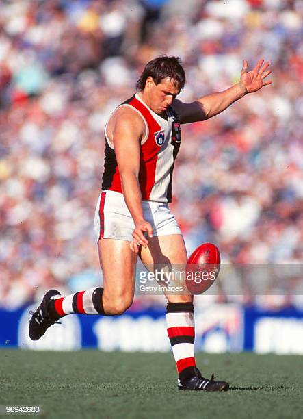 Tony Lockett of the Saints kicks during the AFL 2nd Elimination Final match on September 8 1991 in Melbourne Australia