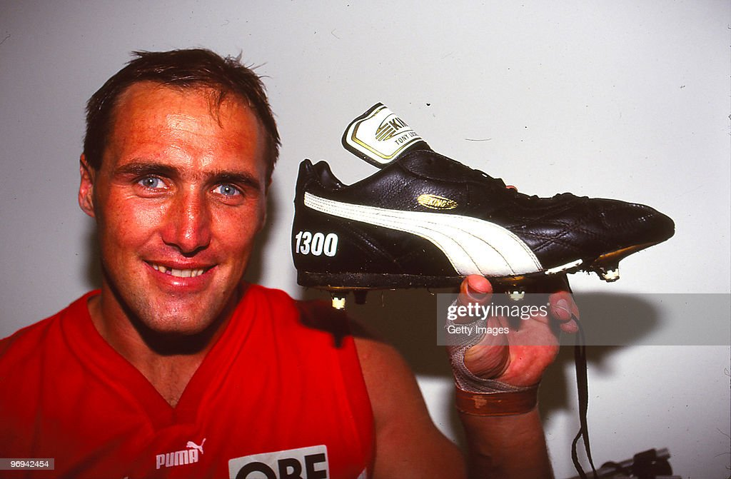 1996 AFL Rd 10 - Swans v Magpies : News Photo