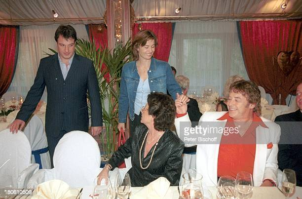 Tony Marshall Ehefrau Gaby Marshall Sohn Marc Mashall und dessen Ehefrau Annette Nachfeier zum 40 Hochzeitstag von T o n y M a r s h a l l Hotel...