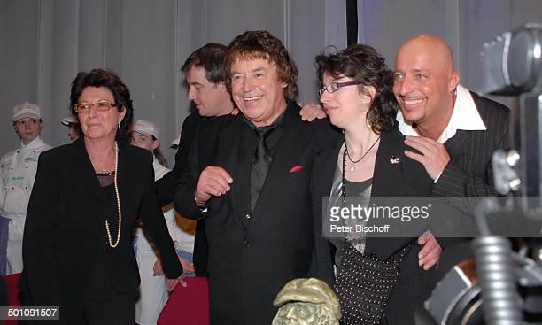 Tony Marshall , Ehefrau Gaby , Sohn Marc Marshall, Tochter Stella - , , Sohn Pascal Hilger , Überraschungs-Geburtstags-Party zum 70. Geburtstag von...