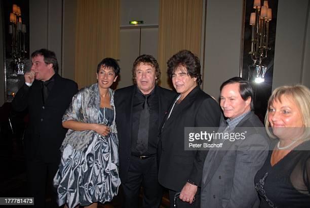 Tony Marshall , Ricky Shayne , Ehefrau Gina , ganz links: Marc Marshall , weitere Gäste , Geburtstags-Party zum 70. Geburtstag von T O N Y M A R S H...