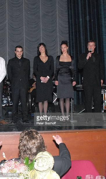 Tony Marshall Sohn Marc Marshall dessen Tochter Enkelin Mia 20 dessen Ehefrau Schwiegertochter Annette Freund von Mia †berraschungsGeburtstagsParty...
