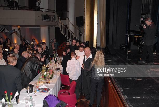 Tony Marshall Sohn Pascal Hilger und Freundin Kirstin Enkel Maurice Ehefrau Gaby Enkel Julius Presse Geburtstagsgäste †berraschungsGeburtstagsParty...