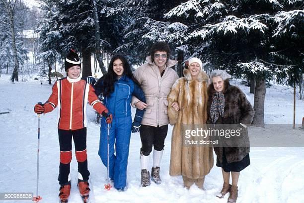 Tony Marshall, Tochter Isabel , Sohn Pascal , Ehefrau Gaby , Mutter Beate Hilger ,, , Winterurlaub, Bayrischer Wald, Bayern, Deutschland, Europa,...