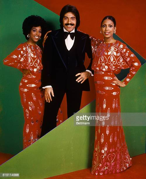 Tony Orlando and Dawn Left to right Joyce Vincent Wilson Tony Orlando and Thelma Hopkins pose together Joyce and Thelma wearing red with silver gowns