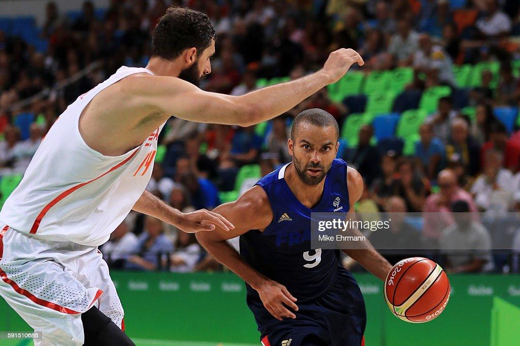 Basketball - Olympics: Day 12 : News Photo