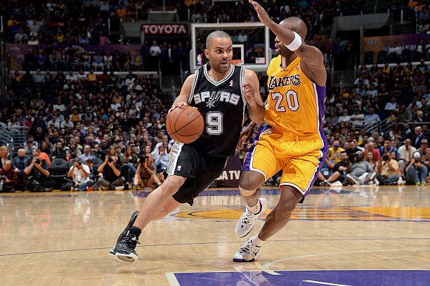 Tony Parker of the San Antonio Spurs  vs. Lakers