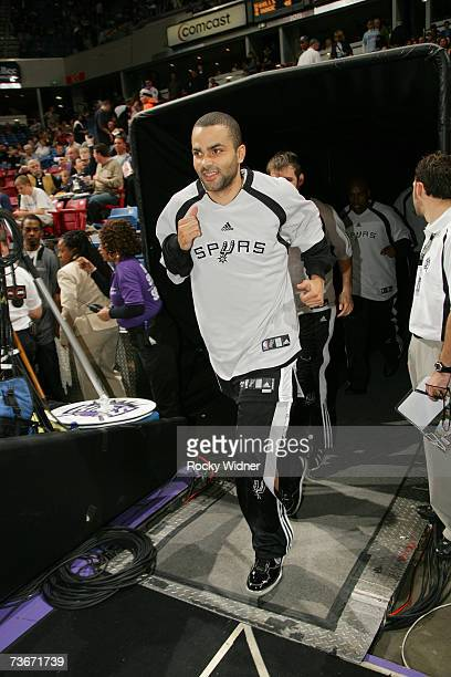 Tony Parker of the San Antonio Spurs exits the tunnel before the NBA game against the Sacramento Kings at ARCO Arena on March 8 2007 in Sacramento...