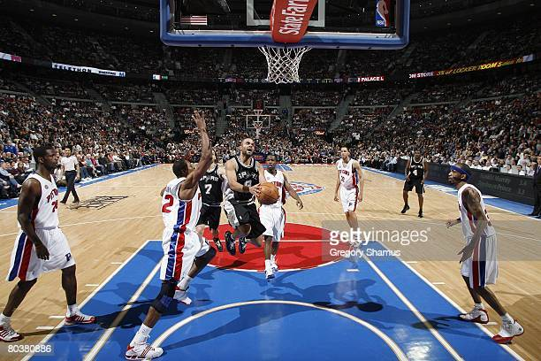 Tony Parker of the San Antonio Spurs makes a layup against the Detroit Pistons during the NBA game on March 14 2008 at the Palace of Auburn Hills in...