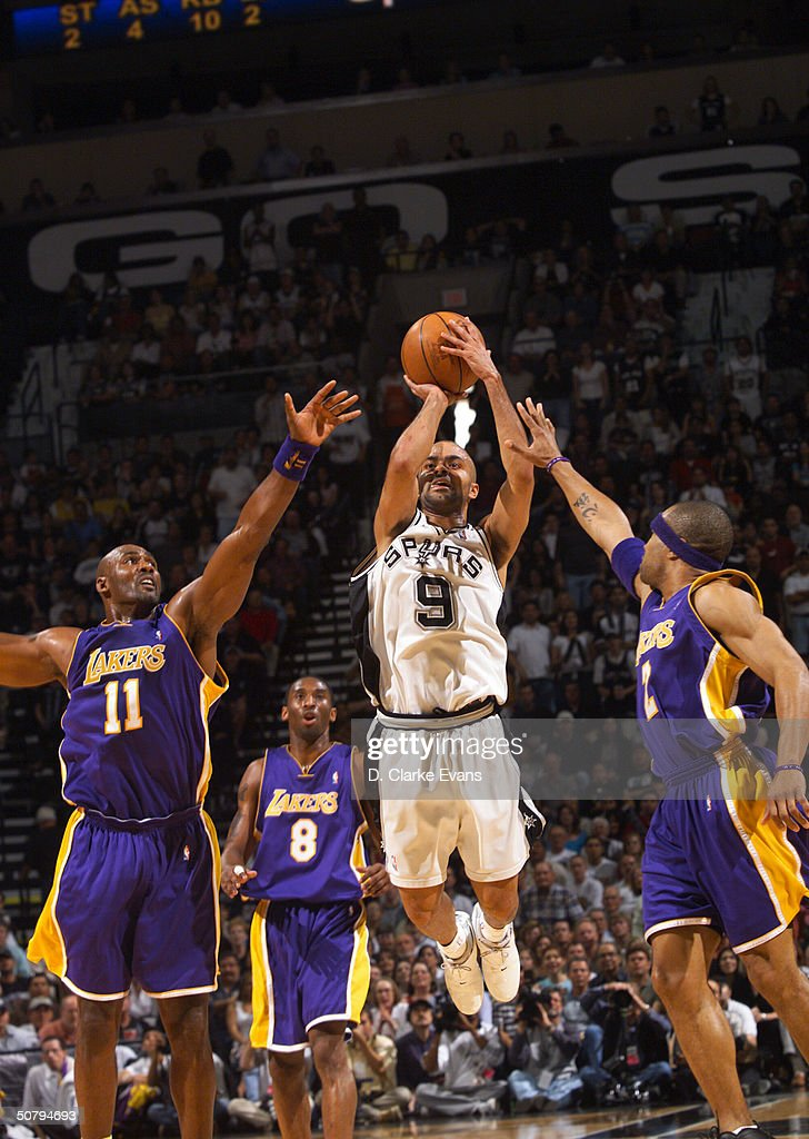 Lakers v Spurs : News Photo