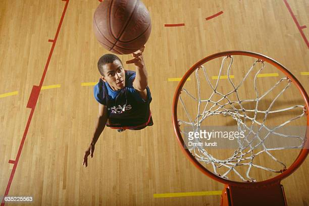 Tony Parker playing at age 15 in the National Institute for Sports and Physical Education in Paris