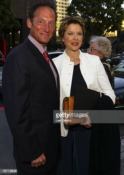 Tony Peck and Annette Bening