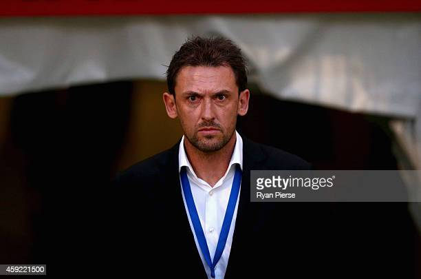 Tony Popovic coach of the Wanderers looks on during the round three ALeague match between the Western Sydney Wanderers and the Central Coast Mariners...