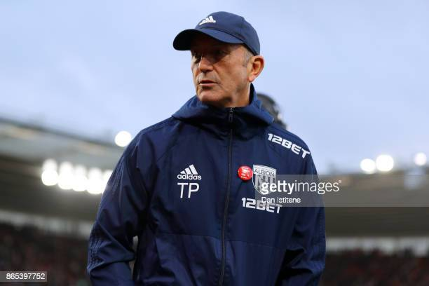 Tony Pulis manager of West Bromwich Albion looks on before the Premier League match between Southampton and West Bromwich Albion at St Mary's Stadium...