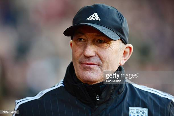 Tony Pulis manager of West Bromwich Albion looks on prior to the Barclays Premier League match between Southampton and West Bromwich Albion at St...