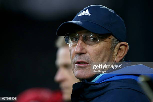 Tony Pulis manager of West Bromwich Albion looks on prior to the Premier League match between West Bromwich Albion and Watford at The Hawthorns on...
