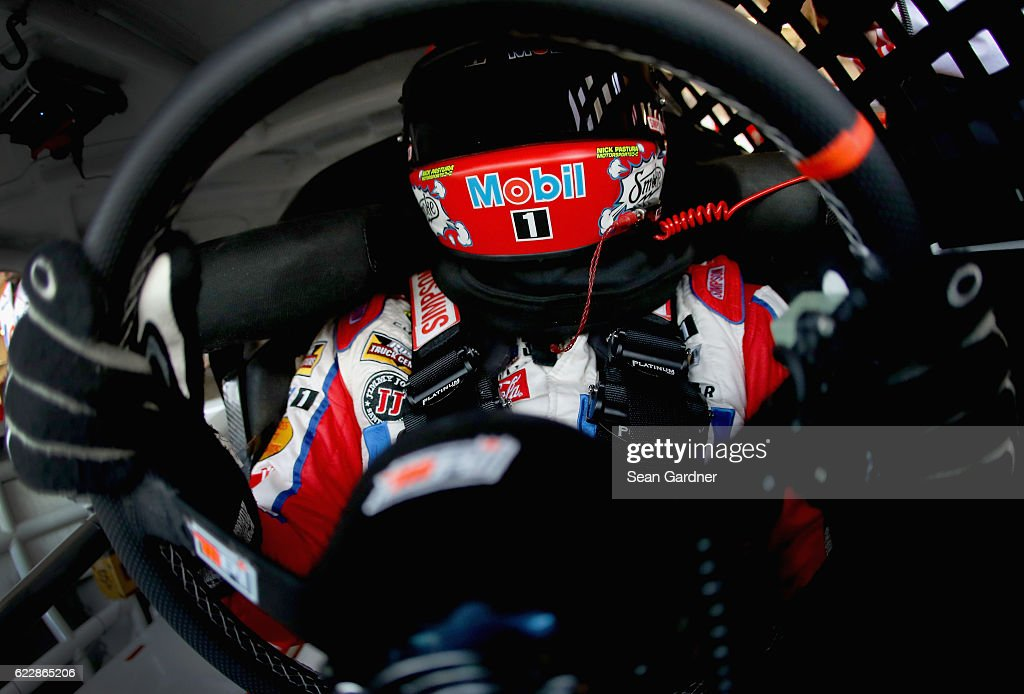 Tony Stewart, driver of the #14 Mobil 1 Chevrolet, sits in his car during practice for the NASCAR Sprint Cup Series Can-Am 500 at Phoenix International Raceway on November 12, 2016 in Avondale, Arizona.