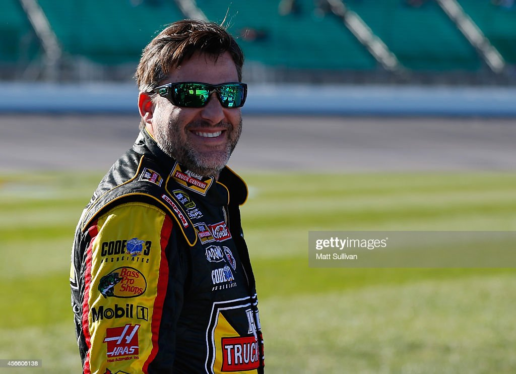 Hollywood Casino 400 - Qualifying : News Photo