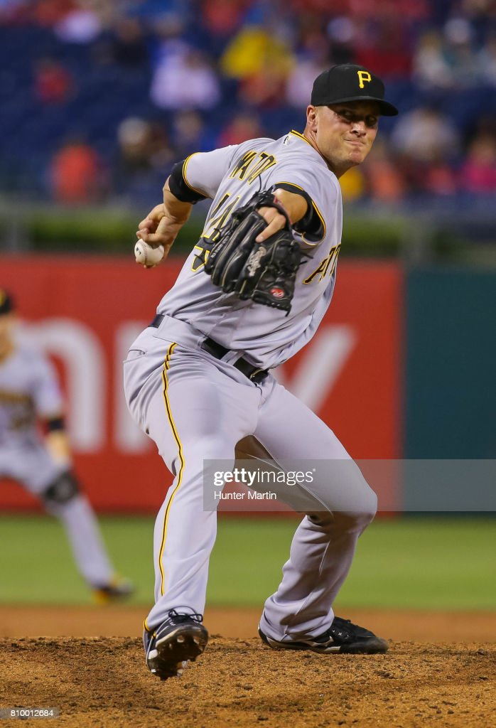 Tony Watson #44 of the Pittsburgh Pirates throws a pitch in the eighth inning during a game against the Philadelphia Phillies at Citizens Bank Park on July 6, 2017 in Philadelphia, Pennsylvania. The Pirates won 6-3.