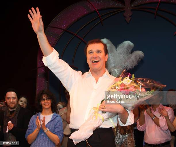 Tony Winner Douglas Hodge during the curtain call at Kelsey Grammer Douglas Hodge Robin De Jesus Fred Applegate's final performance in La Cage Aux...