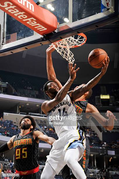 Tony Wroten of the Memphis Grizzlies goes for a lay up against the Atlanta Hawks during a preseason game on October 6 2016 at the Toyota Center in...