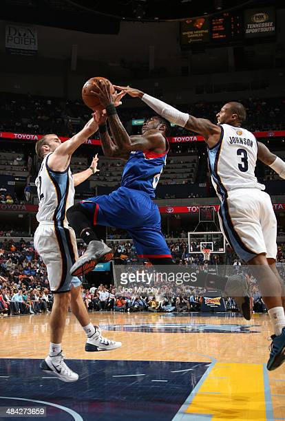 Tony Wroten of the Philadelphia 76ers shoots against the Memphis Grizzlies on April 11 2014 at FedExForum in Memphis Tennessee NOTE TO USER User...