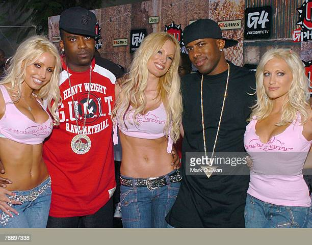 Tony Yayo of G-Unit and guest with The Benchwarmer Girls