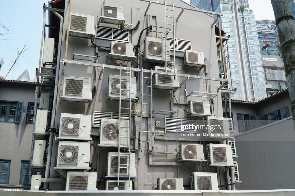 Too many air conditioners in Singapore : ストックフォト