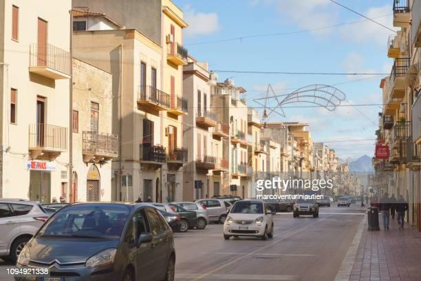 too many cars in Italian town