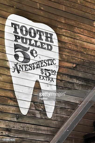 Zahn gezogen