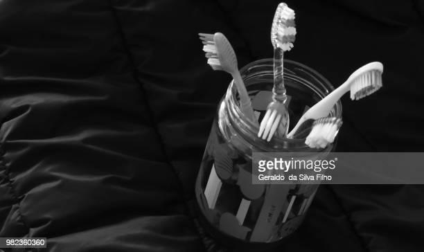 toothbrushes - filho stockfoto's en -beelden