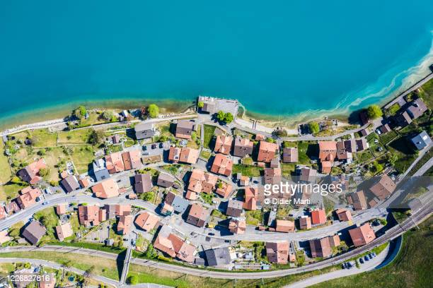 top down view of the oberried village by lake brienz in bern, switzerland - village stock pictures, royalty-free photos & images