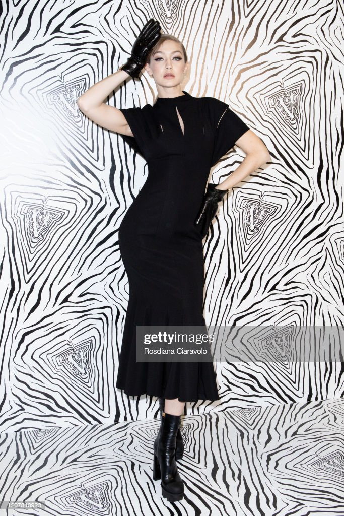 Versace - Backstage - Milan Fashion Week Fall/Winter 2020-2021 : Foto di attualità