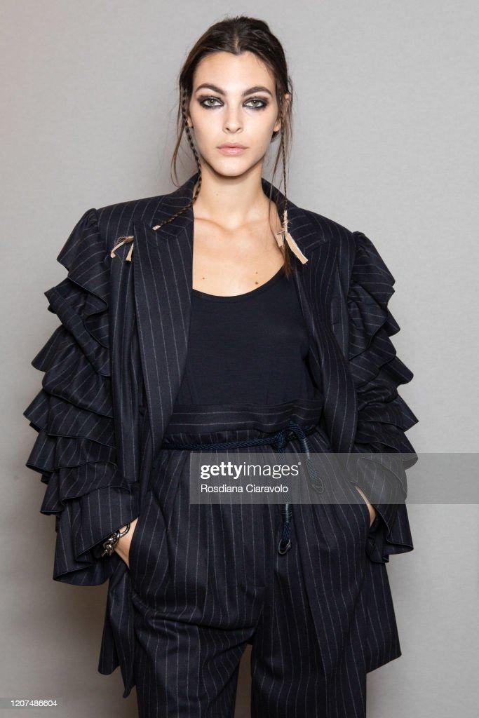 Max Mara - Backstage - Milan Fashion Week Fall/Winter 2020-2021 : ニュース写真