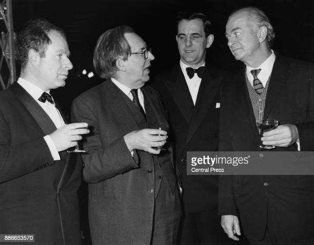 Top physicists attend the British premiere of the Friedrich Dürrenmatt play 'The Physicists' at the Aldwych Theatre in London 9th January 1963 From...