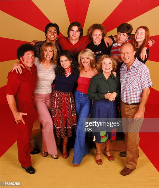 THAT '70S SHOW Top row LR Wilmer Valderrama Ashton Kutcher Danny Masterson Topher Grace Laura Prepon Center LR Don Stark Tanya Roberts Mila Kunis...