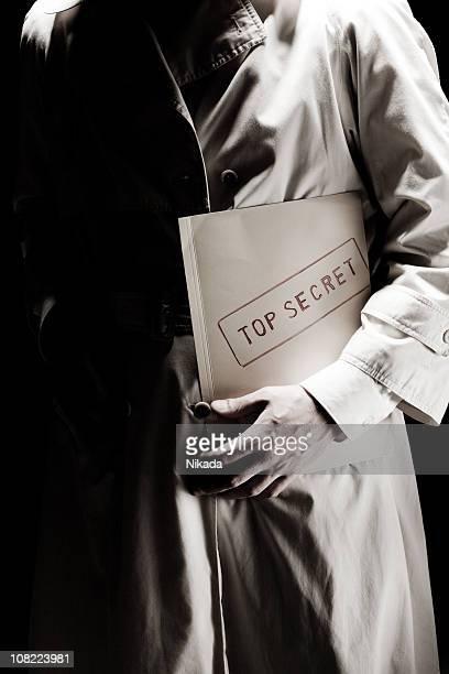 top secret information - spion stockfoto's en -beelden