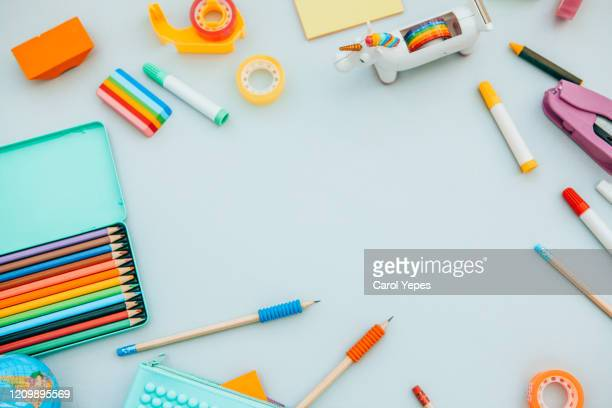 top view blank empty sheet and school supplies - cork material stock pictures, royalty-free photos & images