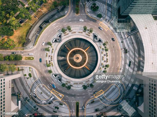 top view of the fountain of wealth as the largest fountain in the world at singapore. it is located in one of singapore largest shopping malls. - singapore cbd stock pictures, royalty-free photos & images