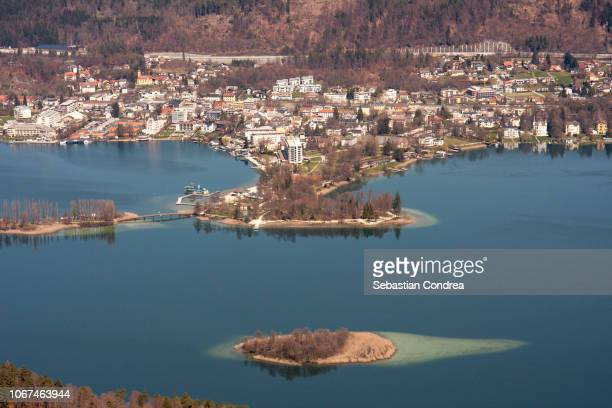 top view of the lake woerthersee .near the villach, austria - クラーゲンフルト ストックフォトと画像