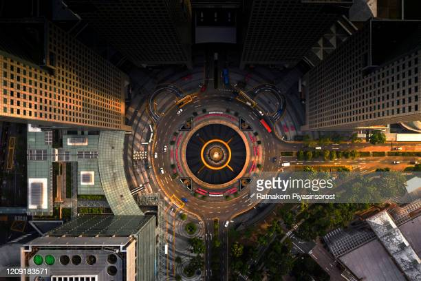 top view of the singapore landmark financial business district with skyscraper. fountain of wealth at suntec city in singapore - singapore city stock pictures, royalty-free photos & images