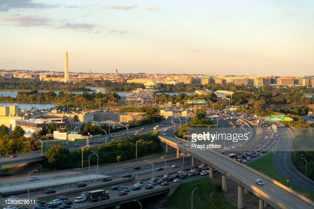 top view of washington dc downtown skyline and traffic with united states capitol, washington monument, lincoln memorial and thomas jefferson memorial in usa. - washington state imagens e fotografias de stock