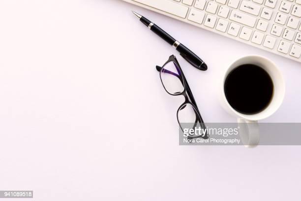 top view of workspace - table top - fotografias e filmes do acervo