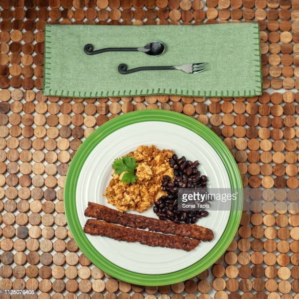 top view tofu scramble breakfast - テンペ ストックフォトと画像