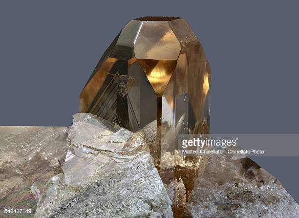topaz mineral - topaz stock photos and pictures