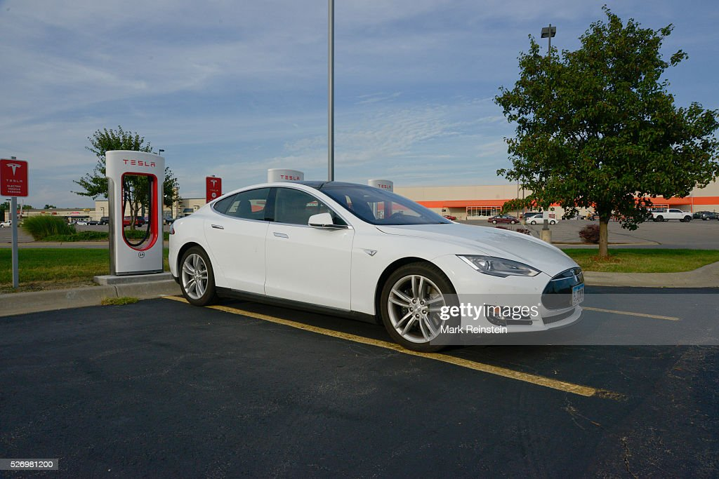 Tesla Supercharger station Topeka Kansas : News Photo